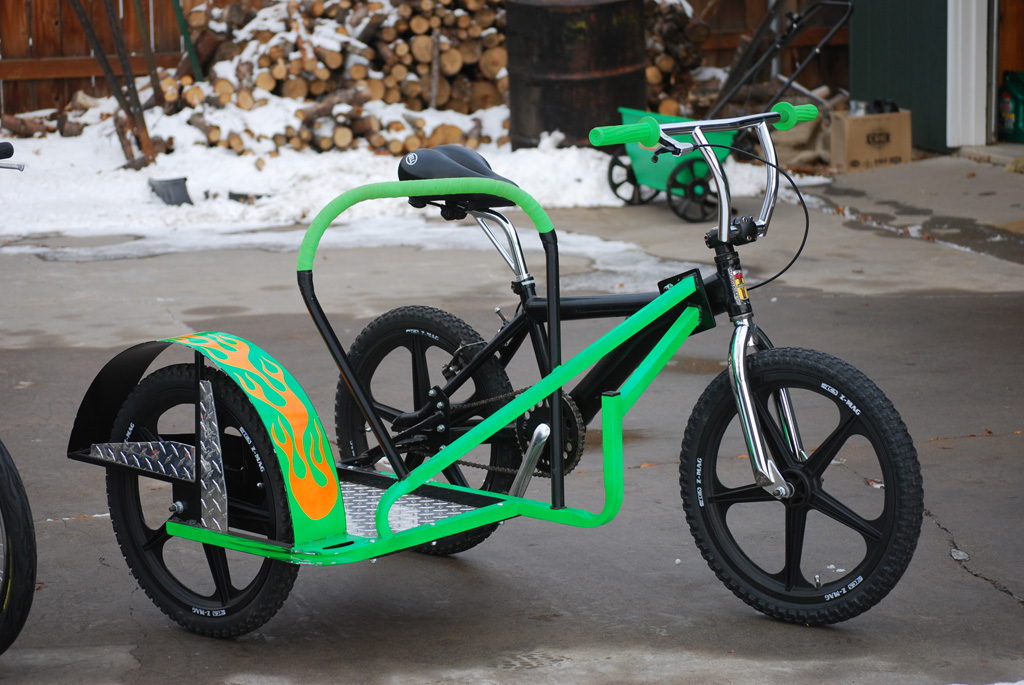 bicycle sidecar atomic zombie extreme machines. Black Bedroom Furniture Sets. Home Design Ideas