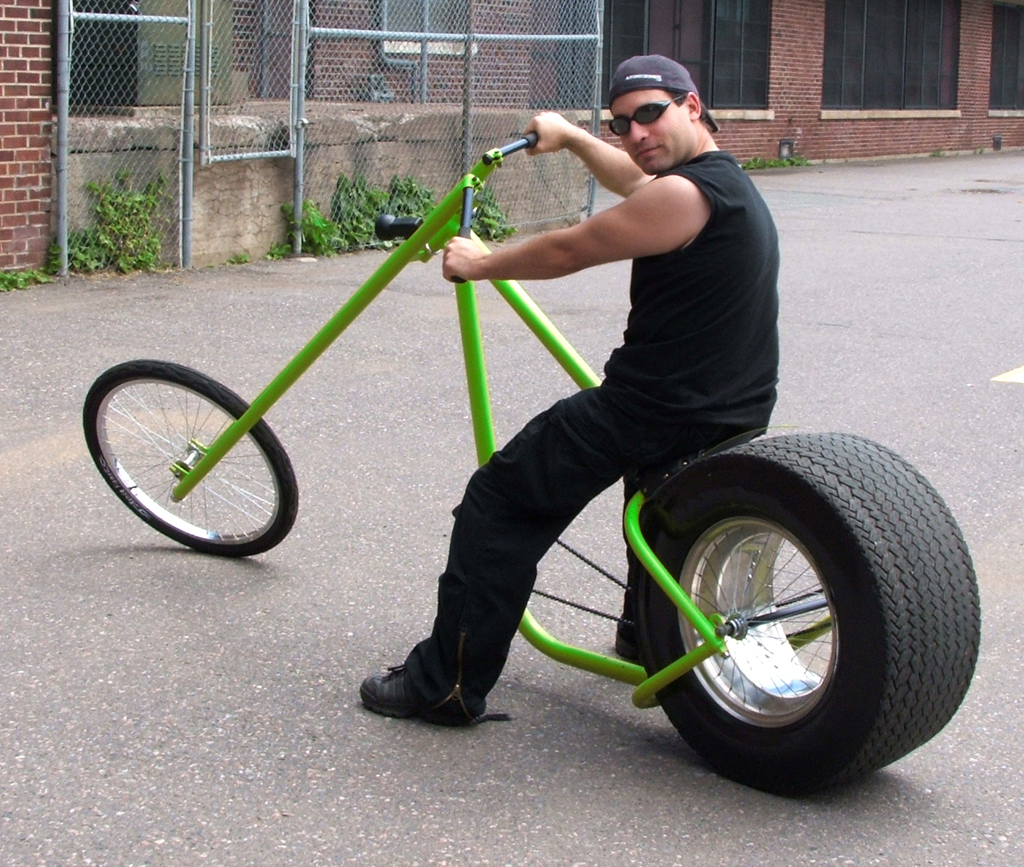 Build Chopper Bicycle http://atomiczombie.wordpress.com/2012/03/15/how-to-build-a-phat-ass-chopper-wheel-part-1/